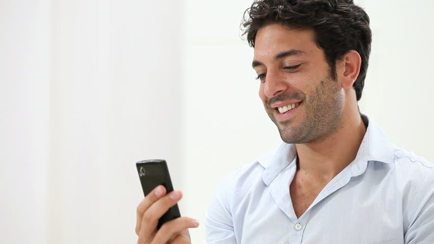 How to make an attractive online dating profile